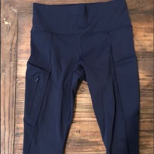 "Athleta ""All In Crop "" capris. Navy blue Size XS"